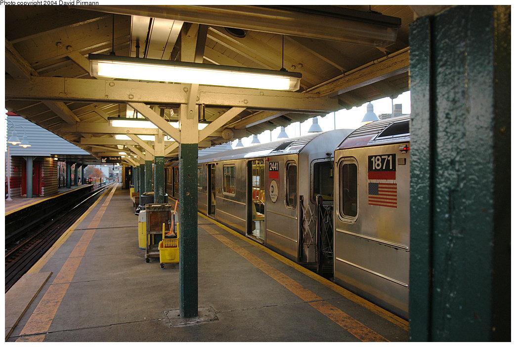 (260k, 1044x701)<br><b>Country:</b> United States<br><b>City:</b> New York<br><b>System:</b> New York City Transit<br><b>Line:</b> IRT West Side Line<br><b>Location:</b> 242nd Street/Van Cortlandt Park<br><b>Route:</b> 1<br><b>Car:</b> R-62A (Bombardier, 1984-1987) 2441 <br><b>Photo by:</b> David Pirmann<br><b>Date:</b> 11/6/2004<br><b>Viewed (this week/total):</b> 1 / 6705