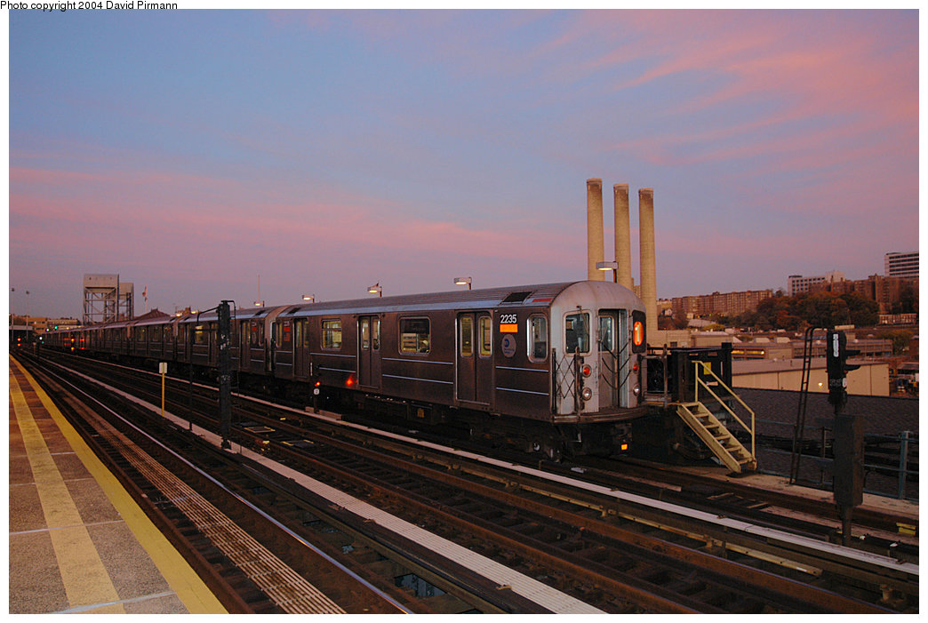 (218k, 1044x701)<br><b>Country:</b> United States<br><b>City:</b> New York<br><b>System:</b> New York City Transit<br><b>Line:</b> IRT West Side Line<br><b>Location:</b> 215th Street<br><b>Route:</b> 1<br><b>Car:</b> R-62A (Bombardier, 1984-1987) 2235 <br><b>Photo by:</b> David Pirmann<br><b>Date:</b> 11/6/2004<br><b>Viewed (this week/total):</b> 1 / 3585