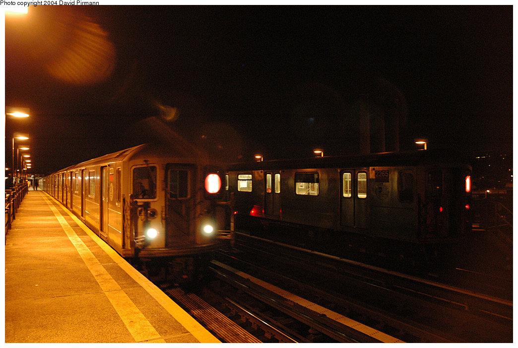 (236k, 1044x701)<br><b>Country:</b> United States<br><b>City:</b> New York<br><b>System:</b> New York City Transit<br><b>Line:</b> IRT West Side Line<br><b>Location:</b> 215th Street<br><b>Route:</b> 1<br><b>Car:</b> R-62A (Bombardier, 1984-1987) 2270 <br><b>Photo by:</b> David Pirmann<br><b>Date:</b> 11/6/2004<br><b>Viewed (this week/total):</b> 1 / 2922
