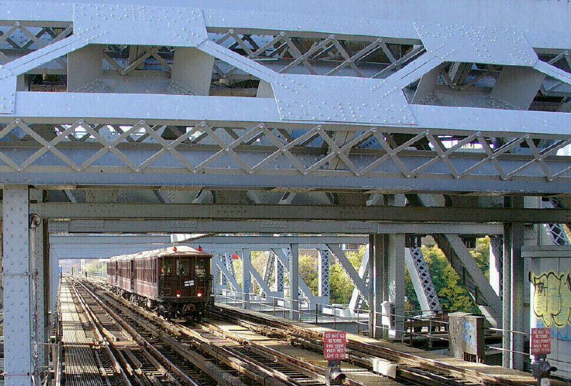 (166k, 800x540)<br><b>Country:</b> United States<br><b>City:</b> New York<br><b>System:</b> New York City Transit<br><b>Line:</b> IRT West Side Line<br><b>Location:</b> Broadway Bridge<br><b>Route:</b> Fan Trip<br><b>Car:</b> BMT Elevated Gate Car 1407-1273-1404 <br><b>Photo by:</b> Fred Guenther<br><b>Date:</b> 11/6/2004<br><b>Viewed (this week/total):</b> 2 / 5123