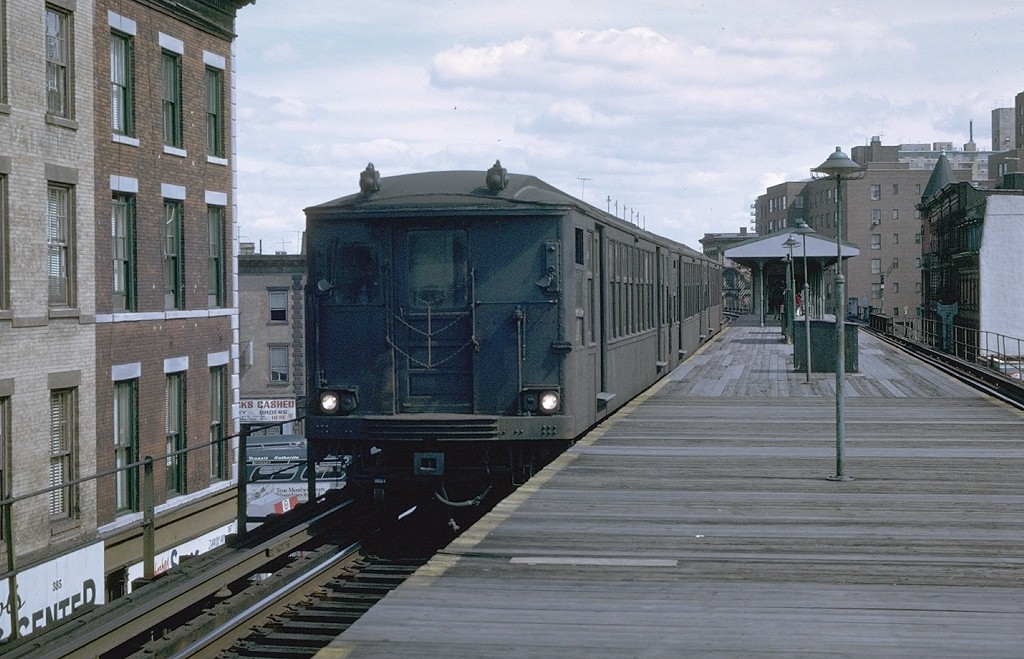 (194k, 1024x659)<br><b>Country:</b> United States<br><b>City:</b> New York<br><b>System:</b> New York City Transit<br><b>Line:</b> BMT Myrtle Avenue Line<br><b>Location:</b> Vanderbilt Avenue<br><b>Car:</b> BMT Q 1616 <br><b>Photo by:</b> Joe Testagrose<br><b>Date:</b> 9/20/1969<br><b>Viewed (this week/total):</b> 0 / 5655