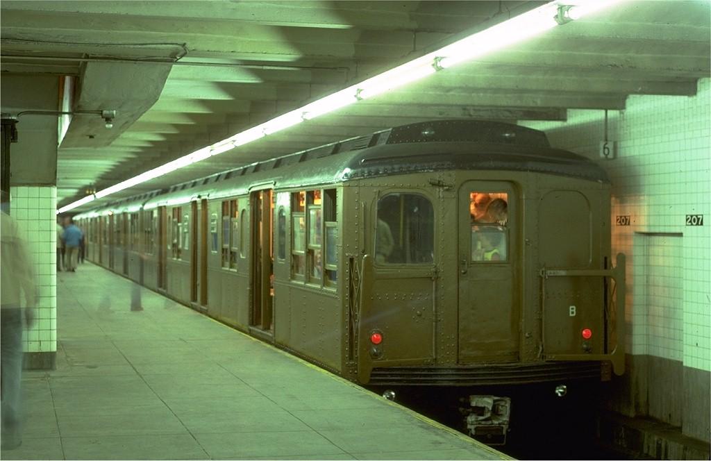 (152k, 1024x664)<br><b>Country:</b> United States<br><b>City:</b> New York<br><b>System:</b> New York City Transit<br><b>Line:</b> IND 8th Avenue Line<br><b>Location:</b> 207th Street<br><b>Route:</b> Fan Trip<br><b>Car:</b> BMT A/B-Type Standard 2392 <br><b>Photo by:</b> Steve Zabel<br><b>Collection of:</b> Joe Testagrose<br><b>Date:</b> 5/21/1978<br><b>Viewed (this week/total):</b> 0 / 3719