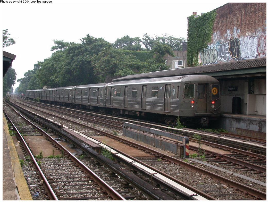 (251k, 1044x788)<br><b>Country:</b> United States<br><b>City:</b> New York<br><b>System:</b> New York City Transit<br><b>Line:</b> BMT Brighton Line<br><b>Location:</b> Avenue H<br><b>Route:</b> Q<br><b>Car:</b> R-68 (Westinghouse-Amrail, 1986-1988) 2912 <br><b>Photo by:</b> Joe Testagrose<br><b>Date:</b> 7/18/2004<br><b>Viewed (this week/total):</b> 1 / 4099
