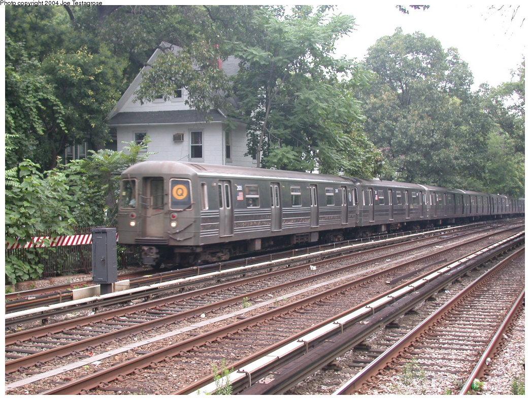 (304k, 1044x788)<br><b>Country:</b> United States<br><b>City:</b> New York<br><b>System:</b> New York City Transit<br><b>Line:</b> BMT Brighton Line<br><b>Location:</b> Avenue H<br><b>Route:</b> Q<br><b>Car:</b> R-68 (Westinghouse-Amrail, 1986-1988) 2806 <br><b>Photo by:</b> Joe Testagrose<br><b>Date:</b> 7/18/2004<br><b>Viewed (this week/total):</b> 1 / 3411