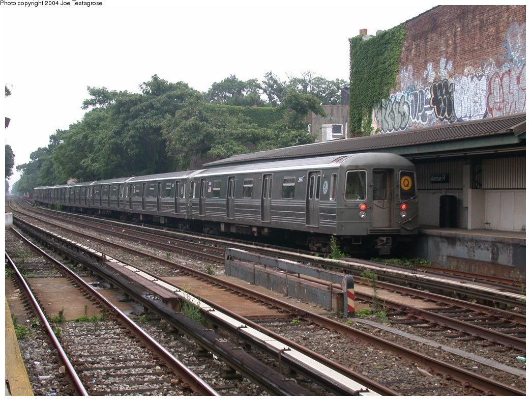 (254k, 1044x788)<br><b>Country:</b> United States<br><b>City:</b> New York<br><b>System:</b> New York City Transit<br><b>Line:</b> BMT Brighton Line<br><b>Location:</b> Avenue H<br><b>Route:</b> Q<br><b>Car:</b> R-68 (Westinghouse-Amrail, 1986-1988) 2860 <br><b>Photo by:</b> Joe Testagrose<br><b>Date:</b> 7/18/2004<br><b>Viewed (this week/total):</b> 1 / 3733