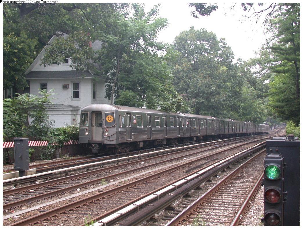 (286k, 1044x788)<br><b>Country:</b> United States<br><b>City:</b> New York<br><b>System:</b> New York City Transit<br><b>Line:</b> BMT Brighton Line<br><b>Location:</b> Avenue H<br><b>Route:</b> Q<br><b>Car:</b> R-68A (Kawasaki, 1988-1989) 5088 <br><b>Photo by:</b> Joe Testagrose<br><b>Date:</b> 7/18/2004<br><b>Viewed (this week/total):</b> 0 / 3296