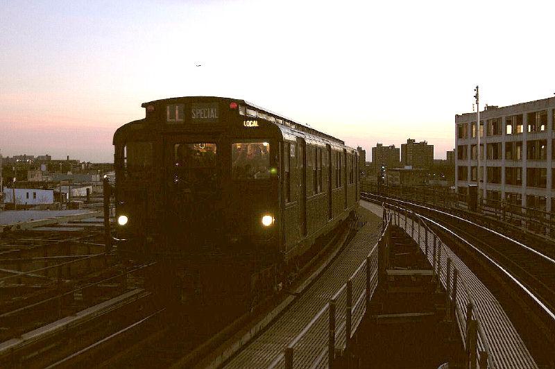 (83k, 800x532)<br><b>Country:</b> United States<br><b>City:</b> New York<br><b>System:</b> New York City Transit<br><b>Line:</b> BMT Canarsie Line<br><b>Location:</b> Atlantic Avenue<br><b>Route:</b> Fan Trip<br><b>Car:</b> R-9 (Pressed Steel, 1940) 1802 <br><b>Photo by:</b> Fred Guenther<br><b>Date:</b> 1/1/2005<br><b>Viewed (this week/total):</b> 5 / 3786