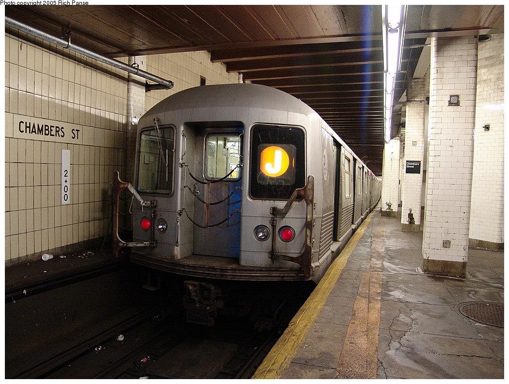 (240k, 1044x788)<br><b>Country:</b> United States<br><b>City:</b> New York<br><b>System:</b> New York City Transit<br><b>Line:</b> BMT Nassau Street-Jamaica Line<br><b>Location:</b> Chambers Street<br><b>Route:</b> J<br><b>Car:</b> R-42 (St. Louis, 1969-1970)  <br><b>Photo by:</b> Richard Panse<br><b>Date:</b> 1/1/2005<br><b>Viewed (this week/total):</b> 4 / 6304