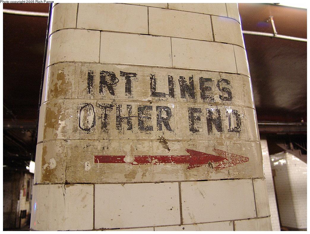 (222k, 1044x788)<br><b>Country:</b> United States<br><b>City:</b> New York<br><b>System:</b> New York City Transit<br><b>Line:</b> BMT Nassau Street-Jamaica Line<br><b>Location:</b> Chambers Street<br><b>Photo by:</b> Richard Panse<br><b>Date:</b> 1/1/2005<br><b>Viewed (this week/total):</b> 1 / 5018