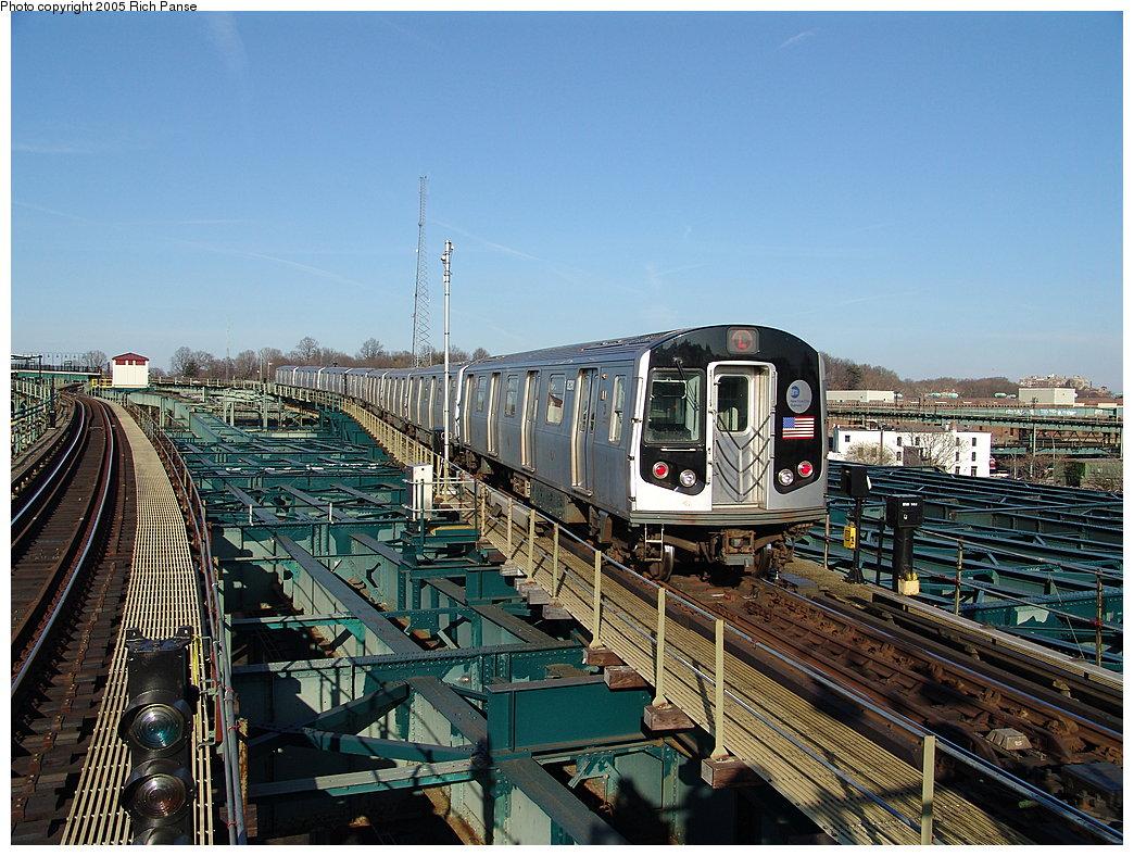 (244k, 1044x788)<br><b>Country:</b> United States<br><b>City:</b> New York<br><b>System:</b> New York City Transit<br><b>Line:</b> BMT Canarsie Line<br><b>Location:</b> Atlantic Avenue<br><b>Route:</b> L<br><b>Car:</b> R-143 (Kawasaki, 2001-2002) 8281 <br><b>Photo by:</b> Richard Panse<br><b>Date:</b> 1/1/2005<br><b>Viewed (this week/total):</b> 5 / 6886