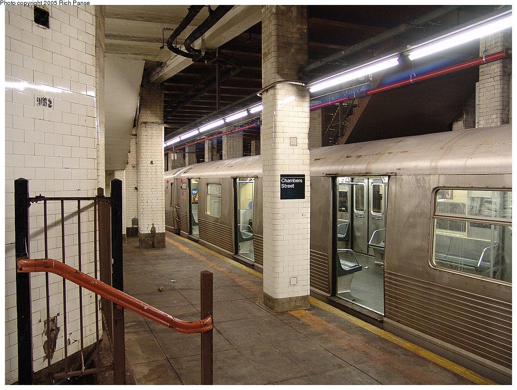 (250k, 1044x788)<br><b>Country:</b> United States<br><b>City:</b> New York<br><b>System:</b> New York City Transit<br><b>Line:</b> BMT Nassau Street-Jamaica Line<br><b>Location:</b> Chambers Street<br><b>Route:</b> J<br><b>Car:</b> R-42 (St. Louis, 1969-1970) 4557 <br><b>Photo by:</b> Richard Panse<br><b>Date:</b> 1/1/2005<br><b>Viewed (this week/total):</b> 1 / 6762