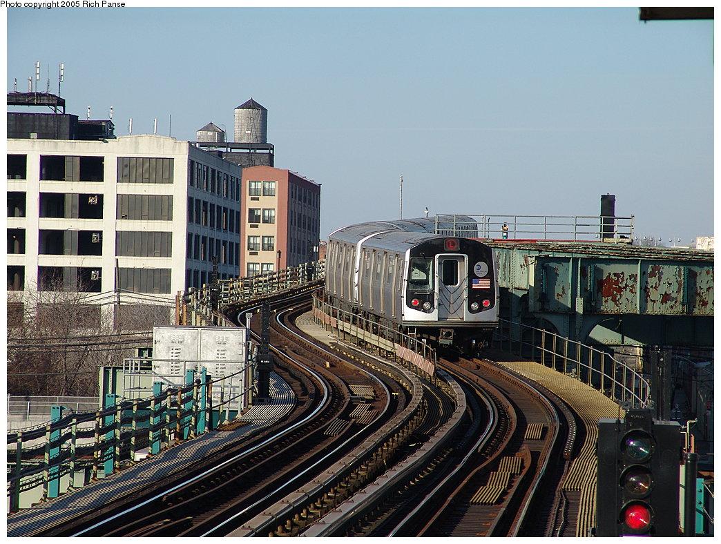 (253k, 1044x788)<br><b>Country:</b> United States<br><b>City:</b> New York<br><b>System:</b> New York City Transit<br><b>Line:</b> BMT Canarsie Line<br><b>Location:</b> Sutter Avenue<br><b>Route:</b> L<br><b>Car:</b> R-143 (Kawasaki, 2001-2002)  <br><b>Photo by:</b> Richard Panse<br><b>Date:</b> 1/1/2005<br><b>Viewed (this week/total):</b> 3 / 6529