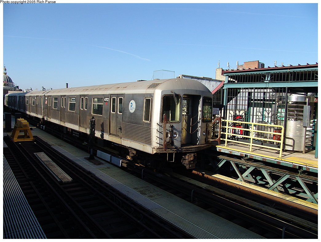 (222k, 1044x788)<br><b>Country:</b> United States<br><b>City:</b> New York<br><b>System:</b> New York City Transit<br><b>Line:</b> BMT Nassau Street-Jamaica Line<br><b>Location:</b> Marcy Avenue<br><b>Route:</b> J<br><b>Car:</b> R-42 (St. Louis, 1969-1970) 4702 <br><b>Photo by:</b> Richard Panse<br><b>Date:</b> 1/1/2005<br><b>Viewed (this week/total):</b> 1 / 4005