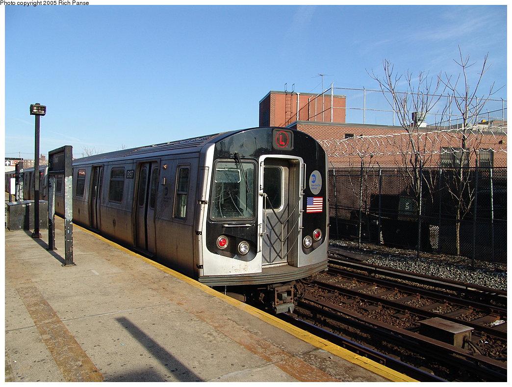 (241k, 1044x788)<br><b>Country:</b> United States<br><b>City:</b> New York<br><b>System:</b> New York City Transit<br><b>Line:</b> BMT Canarsie Line<br><b>Location:</b> East 105th Street<br><b>Route:</b> L<br><b>Car:</b> R-143 (Kawasaki, 2001-2002) 8197 <br><b>Photo by:</b> Richard Panse<br><b>Date:</b> 1/1/2005<br><b>Viewed (this week/total):</b> 2 / 5345