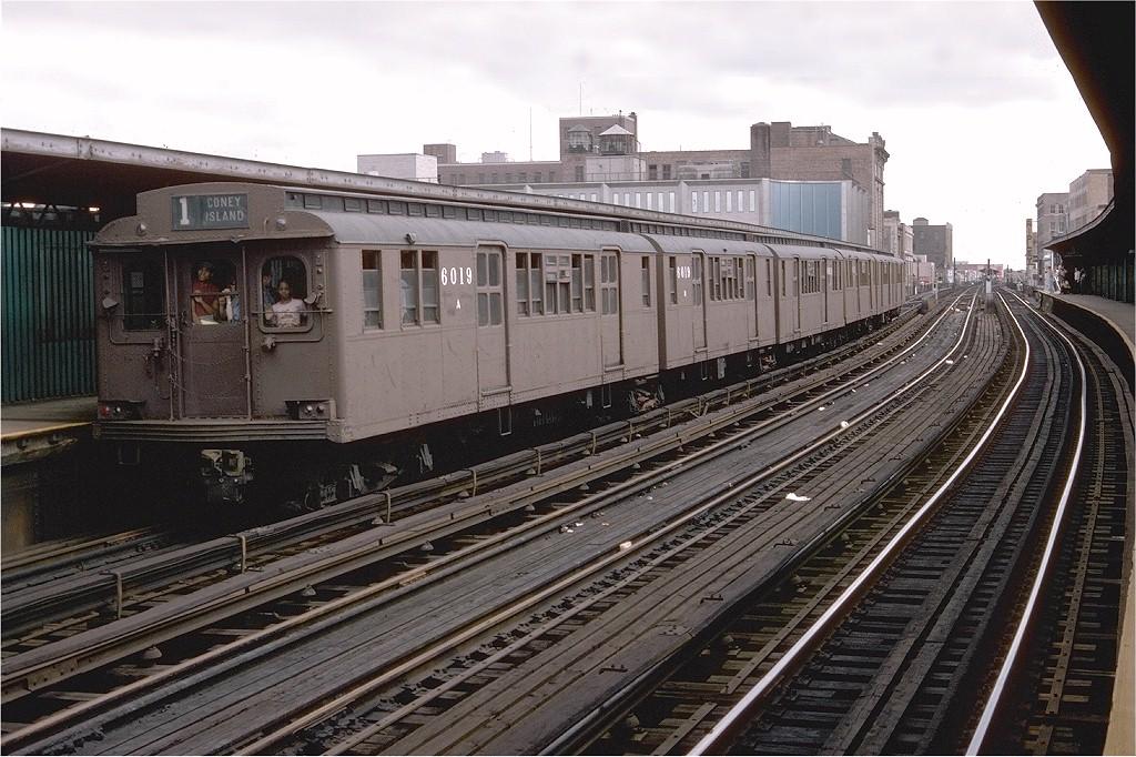(231k, 1024x682)<br><b>Country:</b> United States<br><b>City:</b> New York<br><b>System:</b> New York City Transit<br><b>Line:</b> BMT Nassau Street-Jamaica Line<br><b>Location:</b> 160th Street (Demolished)<br><b>Route:</b> Fan Trip<br><b>Car:</b> BMT D-Type Triplex 6019 <br><b>Photo by:</b> Doug Grotjahn<br><b>Collection of:</b> Joe Testagrose<br><b>Date:</b> 9/11/1977<br><b>Viewed (this week/total):</b> 0 / 4805