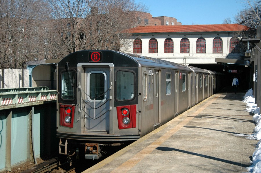 (177k, 900x598)<br><b>Country:</b> United States<br><b>City:</b> New York<br><b>System:</b> New York City Transit<br><b>Line:</b> IRT Dyre Ave. Line<br><b>Location:</b> Morris Park<br><b>Route:</b> 5<br><b>Car:</b> R-142 (Primary Order, Bombardier, 1999-2002) 6861 <br><b>Photo by:</b> Fred Guenther<br><b>Date:</b> 2/27/2005<br><b>Viewed (this week/total):</b> 1 / 6709