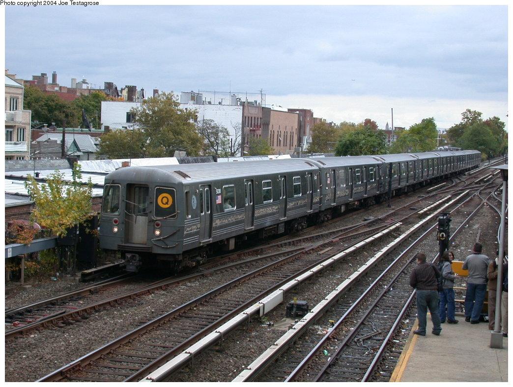 (244k, 1044x788)<br><b>Country:</b> United States<br><b>City:</b> New York<br><b>System:</b> New York City Transit<br><b>Line:</b> BMT Brighton Line<br><b>Location:</b> Kings Highway<br><b>Route:</b> Q<br><b>Car:</b> R-68A (Kawasaki, 1988-1989) 5038 <br><b>Photo by:</b> Joe Testagrose<br><b>Date:</b> 10/23/2004<br><b>Viewed (this week/total):</b> 1 / 5291