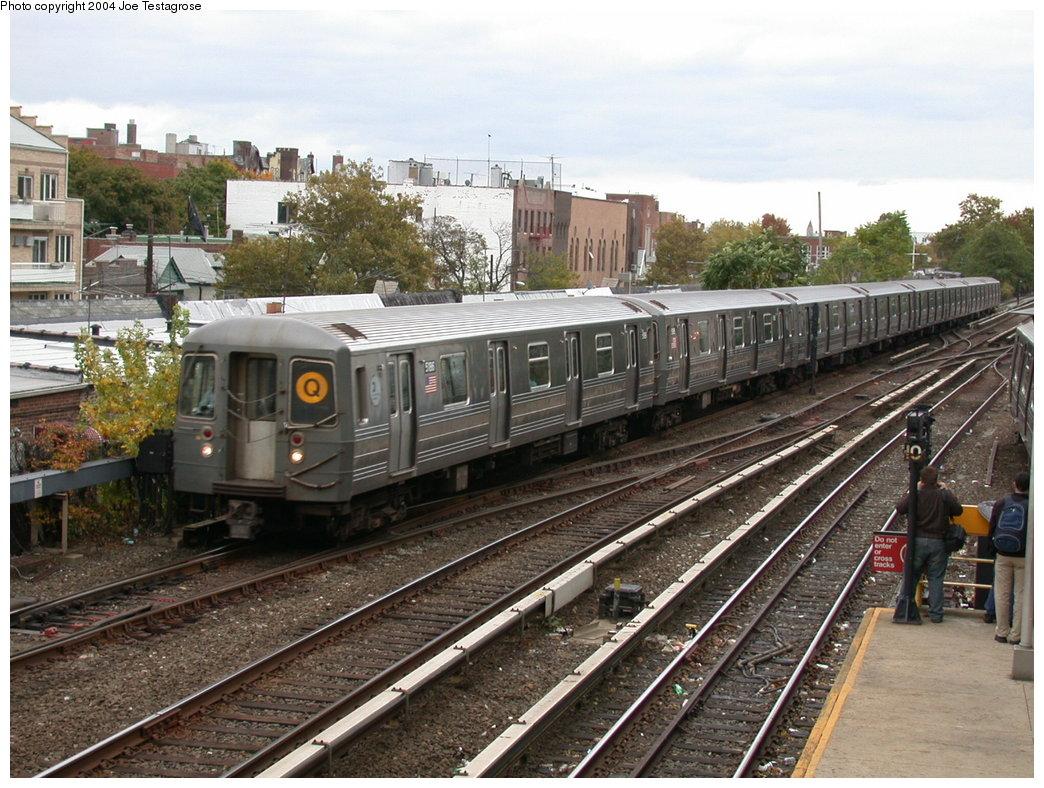 (245k, 1044x788)<br><b>Country:</b> United States<br><b>City:</b> New York<br><b>System:</b> New York City Transit<br><b>Line:</b> BMT Brighton Line<br><b>Location:</b> Kings Highway<br><b>Route:</b> Q<br><b>Car:</b> R-68A (Kawasaki, 1988-1989) 5186 <br><b>Photo by:</b> Joe Testagrose<br><b>Date:</b> 10/23/2004<br><b>Viewed (this week/total):</b> 5 / 4717