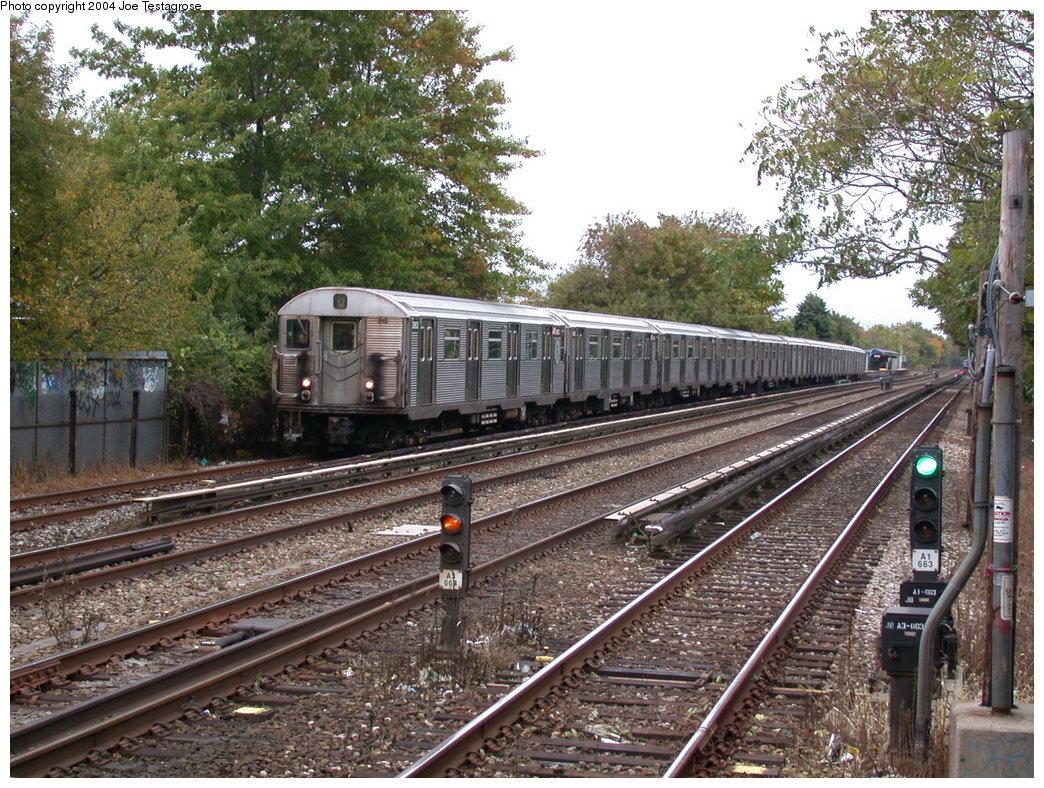 (314k, 1044x788)<br><b>Country:</b> United States<br><b>City:</b> New York<br><b>System:</b> New York City Transit<br><b>Line:</b> BMT Brighton Line<br><b>Location:</b> Avenue U<br><b>Route:</b> Q<br><b>Car:</b> R-32 (Budd, 1964) 3863 <br><b>Photo by:</b> Joe Testagrose<br><b>Date:</b> 10/23/2004<br><b>Viewed (this week/total):</b> 7 / 5304