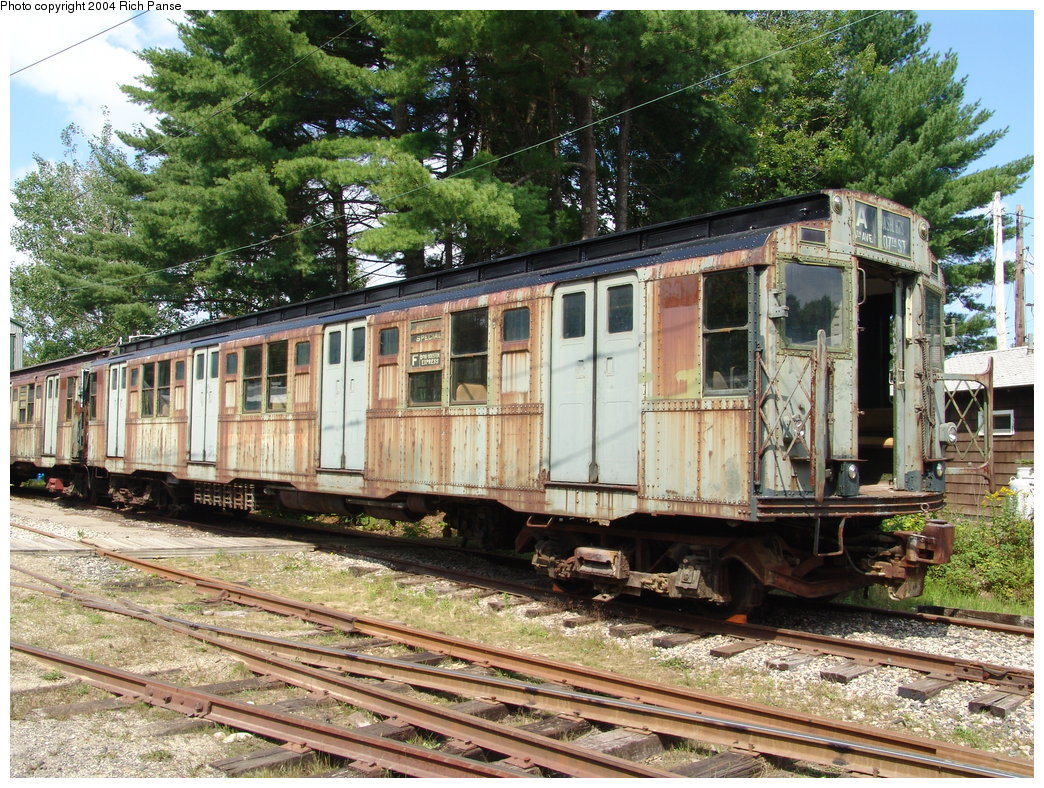 (308k, 1044x788)<br><b>Country:</b> United States<br><b>City:</b> Kennebunk, ME<br><b>System:</b> Seashore Trolley Museum<br><b>Car:</b> R-4 (American Car & Foundry, 1932-1933) 800 <br><b>Photo by:</b> Richard Panse<br><b>Date:</b> 9/4/2004<br><b>Viewed (this week/total):</b> 1 / 4449