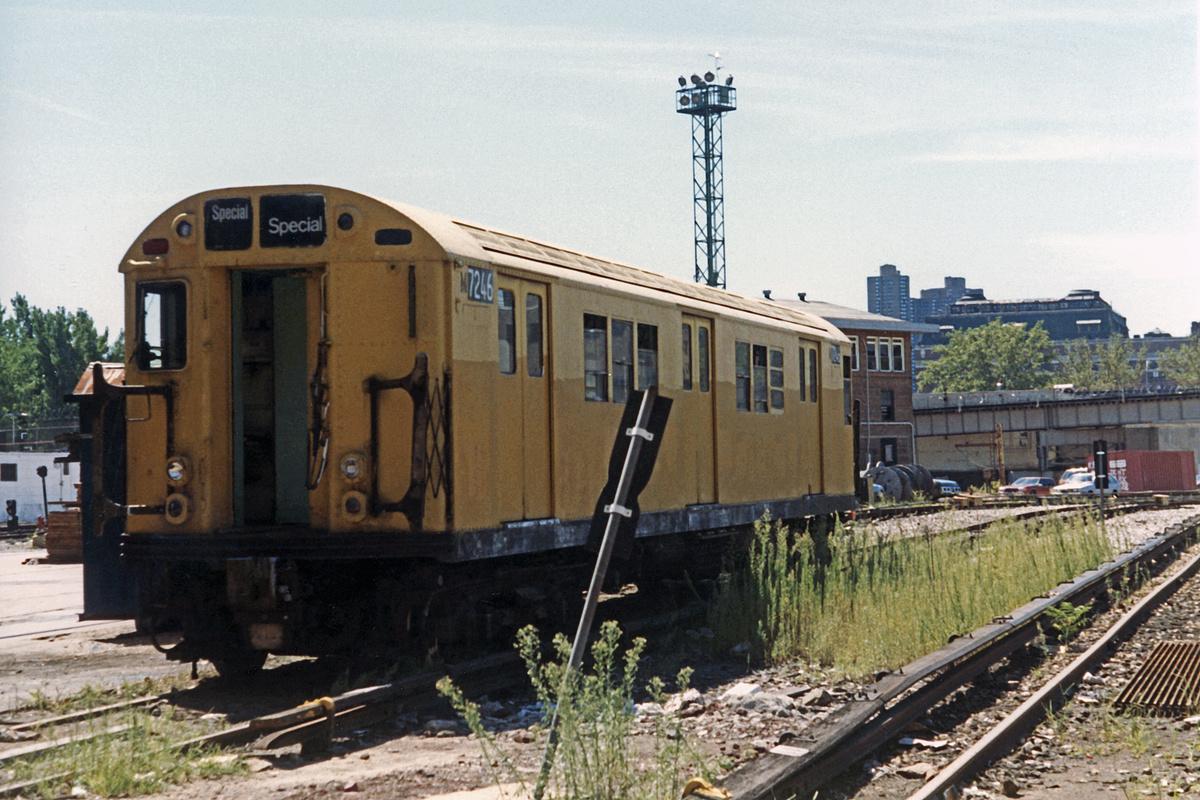(514k, 1200x800)<br><b>Country:</b> United States<br><b>City:</b> New York<br><b>System:</b> New York City Transit<br><b>Location:</b> 207th Street Yard<br><b>Car:</b> Garbage Motor (R-21/R-22 Rebuilds) G7246 <br><b>Photo by:</b> David Boone<br><b>Collection of:</b> David Pirmann<br><b>Date:</b> 8/26/1989<br><b>Viewed (this week/total):</b> 4 / 4961