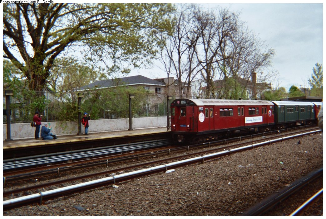 (243k, 1044x703)<br><b>Country:</b> United States<br><b>City:</b> New York<br><b>System:</b> New York City Transit<br><b>Line:</b> IRT Dyre Ave. Line<br><b>Location:</b> Gun Hill Road<br><b>Route:</b> Fan Trip<br><b>Car:</b> R-33 World's Fair (St. Louis, 1963-64) 9327 <br><b>Photo by:</b> Eli Dardis<br><b>Date:</b> 5/1/2005<br><b>Viewed (this week/total):</b> 0 / 3392