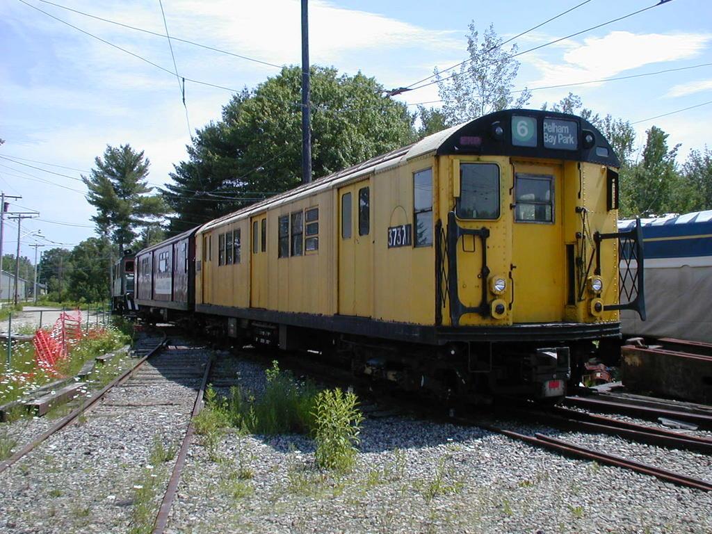 (178k, 1024x768)<br><b>Country:</b> United States<br><b>City:</b> Kennebunk, ME<br><b>System:</b> Seashore Trolley Museum<br><b>Car:</b> R-22 (St. Louis, 1957-58) 37371 <br><b>Photo by:</b> Todd Glickman<br><b>Date:</b> 6/24/2005<br><b>Viewed (this week/total):</b> 3 / 5618