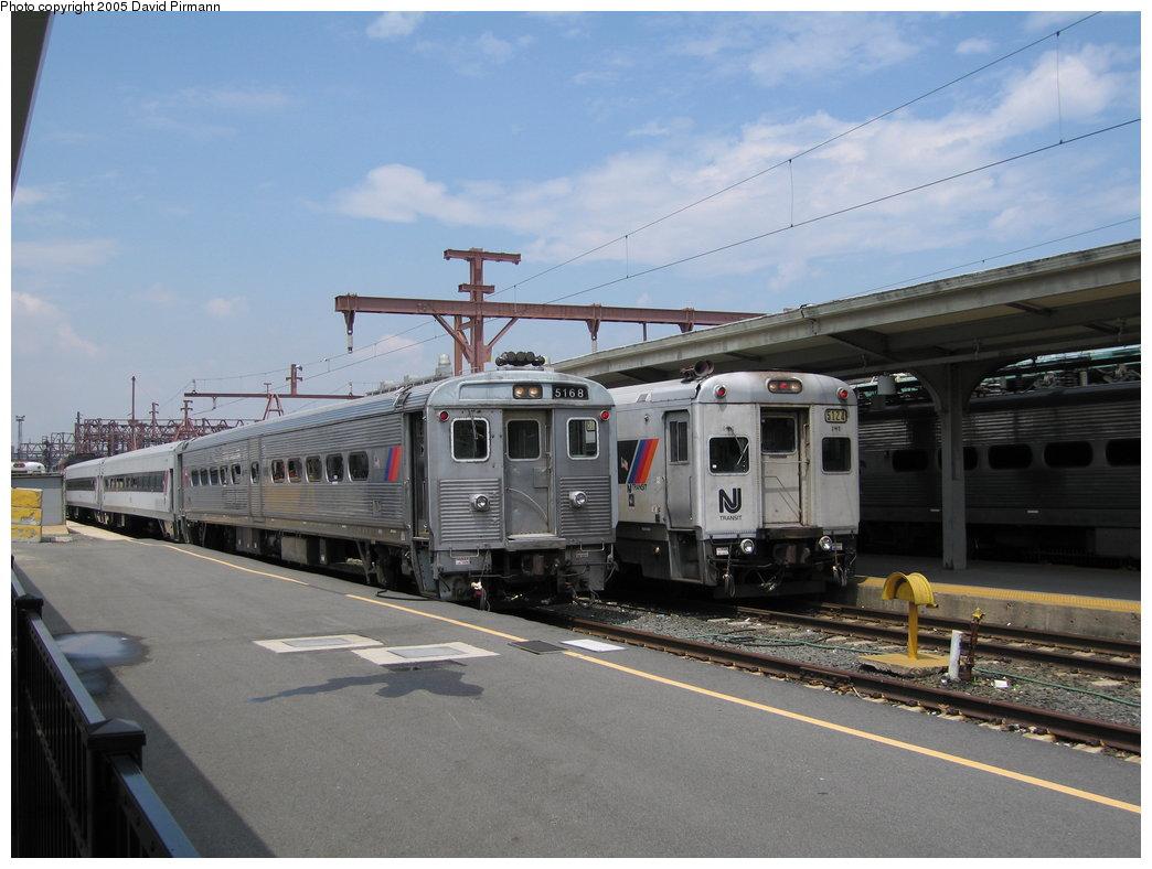 (151k, 1044x788)<br><b>Country:</b> United States<br><b>City:</b> Hoboken, NJ<br><b>System:</b> NJ Transit (or Predecessor)<br><b>Location:</b> Hoboken Terminal<br><b>Car:</b> NJT Comet IB 5168/5124 <br><b>Photo by:</b> David Pirmann<br><b>Date:</b> 6/22/2005<br><b>Viewed (this week/total):</b> 1 / 3697