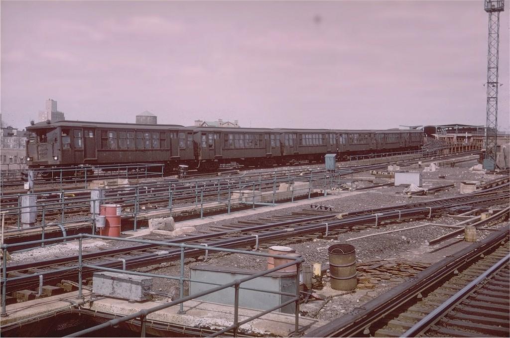 (215k, 1024x678)<br><b>Country:</b> United States<br><b>City:</b> New York<br><b>System:</b> New York City Transit<br><b>Line:</b> BMT Canarsie Line<br><b>Location:</b> Atlantic Avenue<br><b>Route:</b> Fan Trip<br><b>Car:</b> BMT Q  <br><b>Collection of:</b> Joe Testagrose<br><b>Date:</b> 3/22/1969<br><b>Viewed (this week/total):</b> 0 / 4541