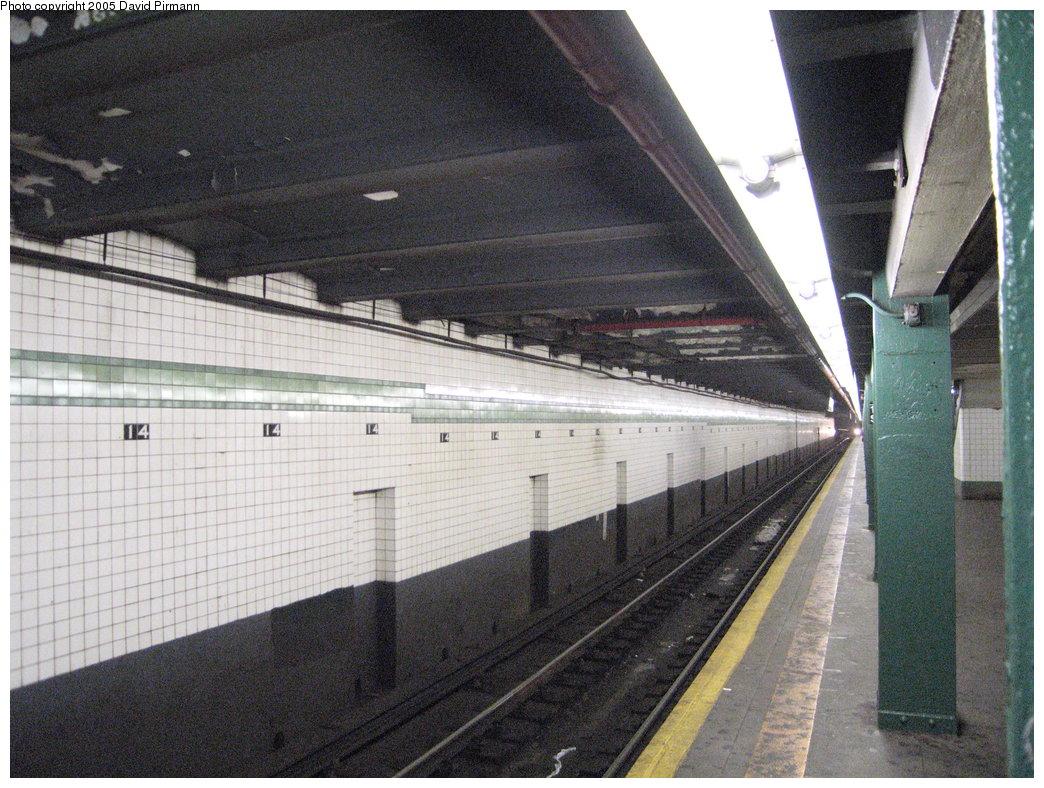 (226k, 1044x788)<br><b>Country:</b> United States<br><b>City:</b> New York<br><b>System:</b> New York City Transit<br><b>Line:</b> IND 6th Avenue Line<br><b>Location:</b> 14th Street<br><b>Photo by:</b> David Pirmann<br><b>Date:</b> 6/30/2005<br><b>Notes:</b> Southbound platform<br><b>Viewed (this week/total):</b> 0 / 2655