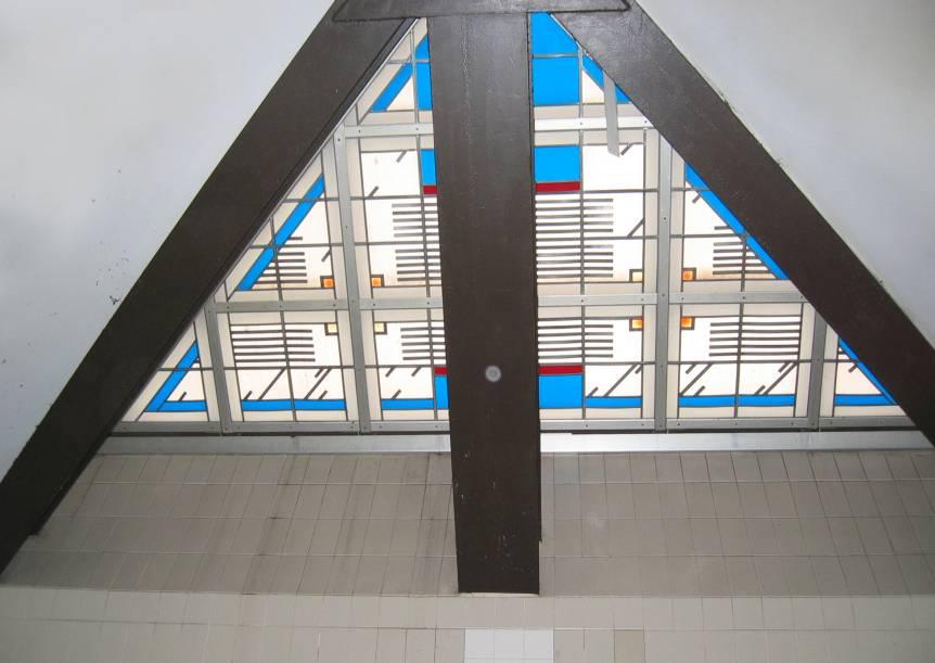 (58k, 862x611)<br><b>Country:</b> United States<br><b>City:</b> New York<br><b>System:</b> New York City Transit<br><b>Line:</b> BMT Brighton Line<br><b>Location:</b> Newkirk Plaza<br><b>Photo by:</b> Robbie Rosenfeld<br><b>Date:</b> 3/16/2005<br><b>Artwork:</b> <i>Transit Skylight</i>, David Wilson, 1998<br><b>Viewed (this week/total):</b> 3 / 3257