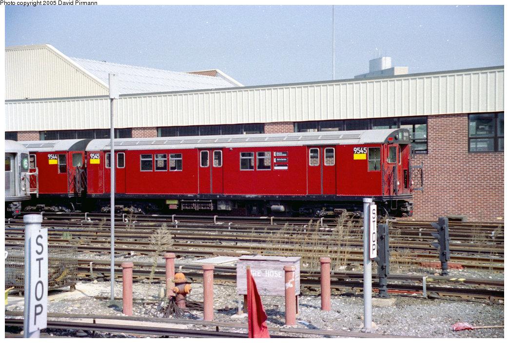 (247k, 1044x703)<br><b>Country:</b> United States<br><b>City:</b> New York<br><b>System:</b> New York City Transit<br><b>Location:</b> Westchester Yard<br><b>Car:</b> R-36 Main Line (St. Louis, 1964) 9545 <br><b>Photo by:</b> David Pirmann<br><b>Date:</b> 9/13/1998<br><b>Viewed (this week/total):</b> 5 / 6667