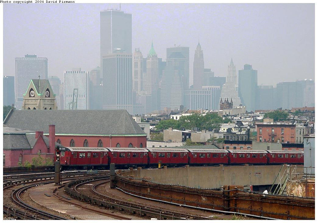 (121k, 1044x733)<br><b>Country:</b> United States<br><b>City:</b> New York<br><b>System:</b> New York City Transit<br><b>Line:</b> IND Crosstown Line<br><b>Location:</b> Smith/9th Street<br><b>Route:</b> Fan Trip<br><b>Car:</b> R-33 World's Fair (St. Louis, 1963-64) 9312 <br><b>Photo by:</b> David Pirmann<br><b>Date:</b> 8/27/2000<br><b>Viewed (this week/total):</b> 0 / 17491
