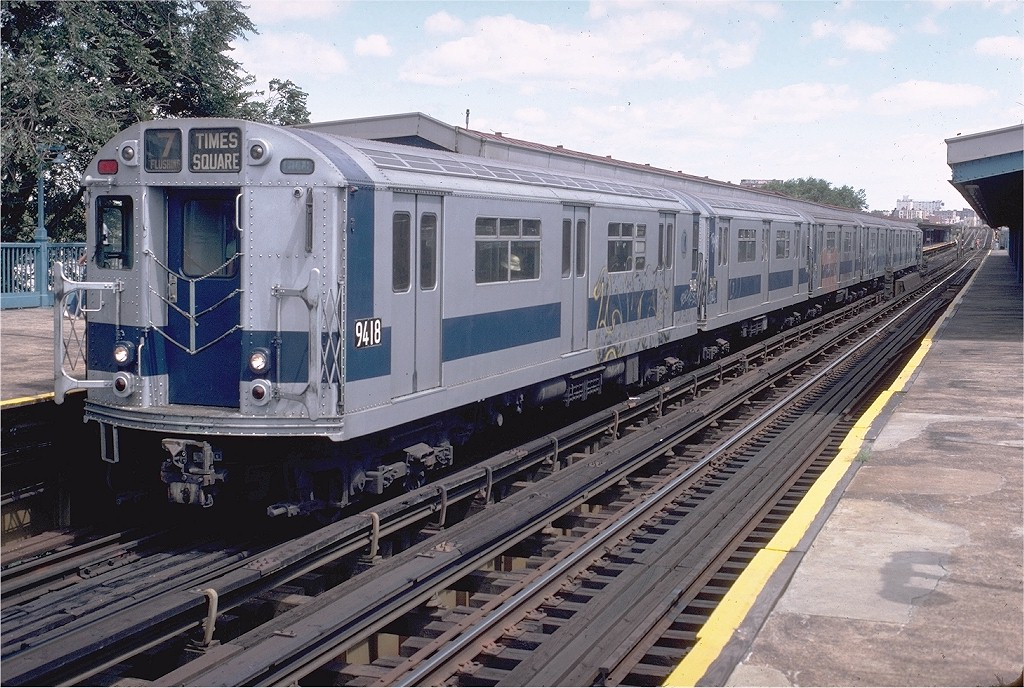 (248k, 1024x688)<br><b>Country:</b> United States<br><b>City:</b> New York<br><b>System:</b> New York City Transit<br><b>Line:</b> IRT Flushing Line<br><b>Location:</b> Willets Point/Mets (fmr. Shea Stadium)<br><b>Route:</b> 7<br><b>Car:</b> R-36 World's Fair (St. Louis, 1963-64) 9418 <br><b>Collection of:</b> Joe Testagrose<br><b>Date:</b> 8/16/1980<br><b>Viewed (this week/total):</b> 0 / 5142