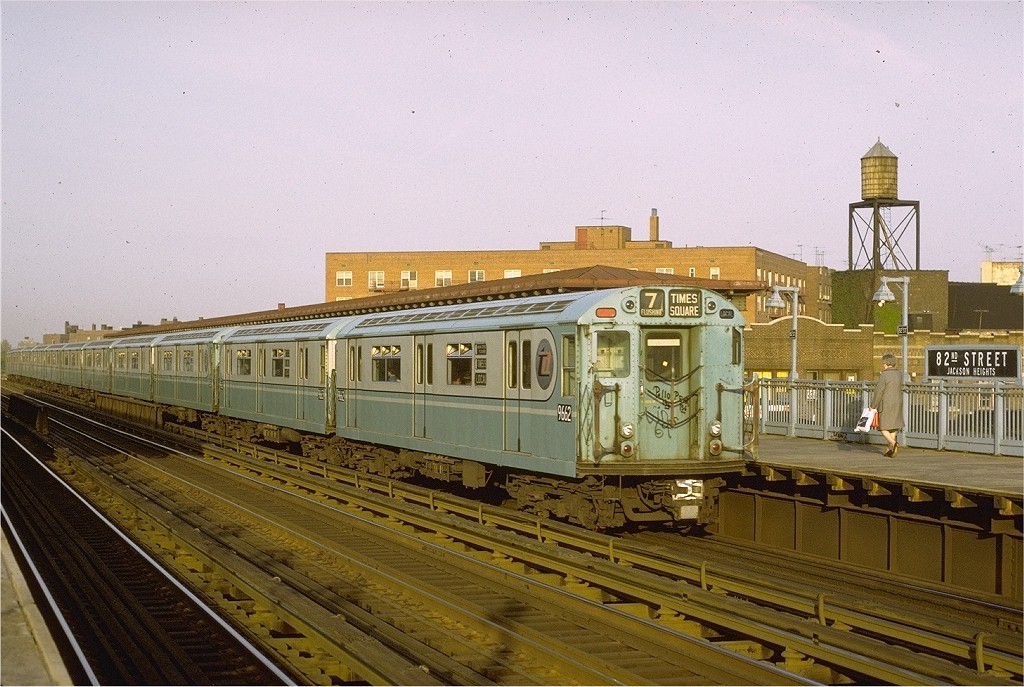 (219k, 1024x687)<br><b>Country:</b> United States<br><b>City:</b> New York<br><b>System:</b> New York City Transit<br><b>Line:</b> IRT Flushing Line<br><b>Location:</b> 82nd Street/Jackson Heights<br><b>Route:</b> 7<br><b>Car:</b> R-36 World's Fair (St. Louis, 1963-64) 9662 <br><b>Photo by:</b> Joe Testagrose<br><b>Date:</b> 5/13/1972<br><b>Viewed (this week/total):</b> 0 / 3873
