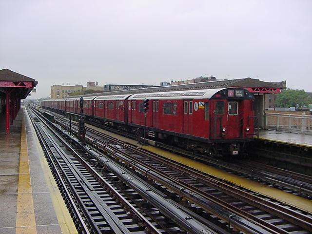 (60k, 640x480)<br><b>Country:</b> United States<br><b>City:</b> New York<br><b>System:</b> New York City Transit<br><b>Line:</b> IRT Flushing Line<br><b>Location:</b> 90th Street/Elmhurst Avenue<br><b>Route:</b> 7<br><b>Car:</b> R-36 World's Fair (St. Louis, 1963-64) 9729 <br><b>Photo by:</b> Salaam Allah<br><b>Date:</b> 9/26/2002<br><b>Viewed (this week/total):</b> 0 / 4681