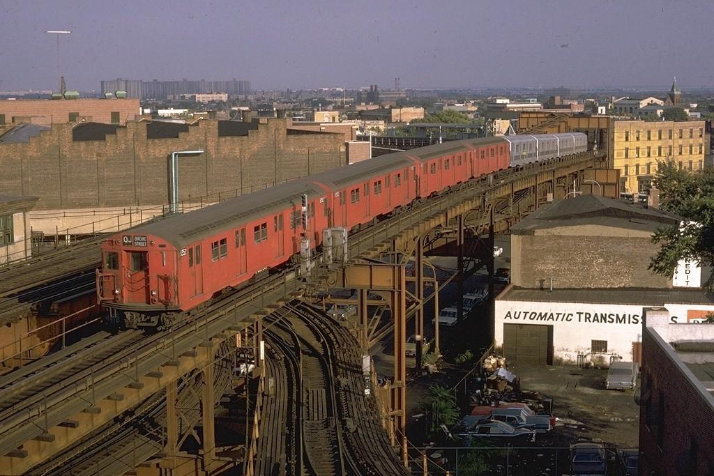 (240k, 1024x683)<br><b>Country:</b> United States<br><b>City:</b> New York<br><b>System:</b> New York City Transit<br><b>Line:</b> BMT Nassau Street-Jamaica Line<br><b>Location:</b> Alabama Avenue<br><b>Route:</b> QJ<br><b>Car:</b> R-30 (St. Louis, 1961) 8352 <br><b>Photo by:</b> Doug Grotjahn<br><b>Collection of:</b> Joe Testagrose<br><b>Date:</b> 9/19/1970<br><b>Viewed (this week/total):</b> 0 / 6873