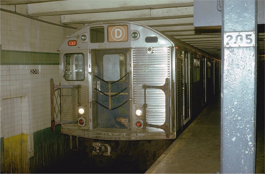 (228k, 1024x674)<br><b>Country:</b> United States<br><b>City:</b> New York<br><b>System:</b> New York City Transit<br><b>Line:</b> IND Concourse Line<br><b>Location:</b> 205th Street<br><b>Route:</b> D<br><b>Car:</b> R-32 (Budd, 1964) 3483 <br><b>Photo by:</b> Steve Zabel<br><b>Collection of:</b> Joe Testagrose<br><b>Date:</b> 8/11/1973<br><b>Viewed (this week/total):</b> 3 / 6923