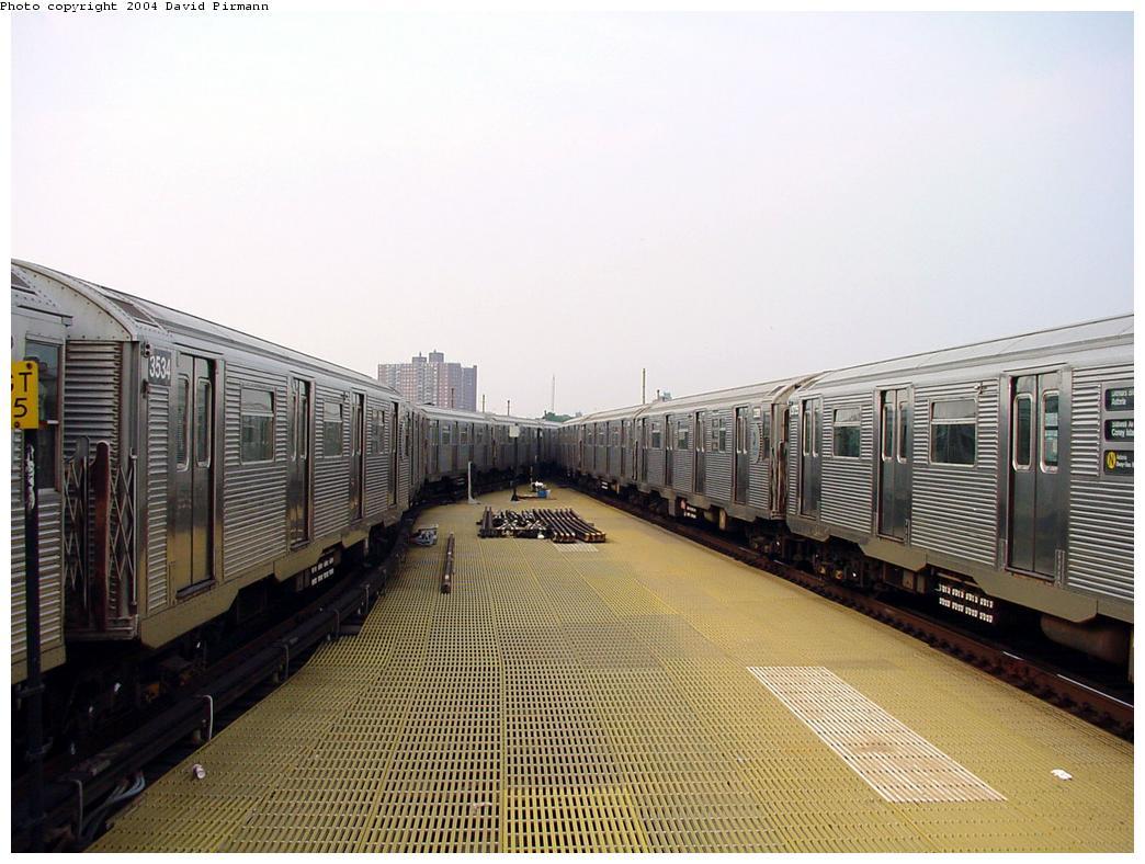 (131k, 1044x788)<br><b>Country:</b> United States<br><b>City:</b> New York<br><b>System:</b> New York City Transit<br><b>Location:</b> Coney Island/Stillwell Avenue<br><b>Route:</b> N<br><b>Car:</b> R-32 (Budd, 1964) 3534 <br><b>Photo by:</b> David Pirmann<br><b>Date:</b> 8/27/2000<br><b>Viewed (this week/total):</b> 0 / 5001