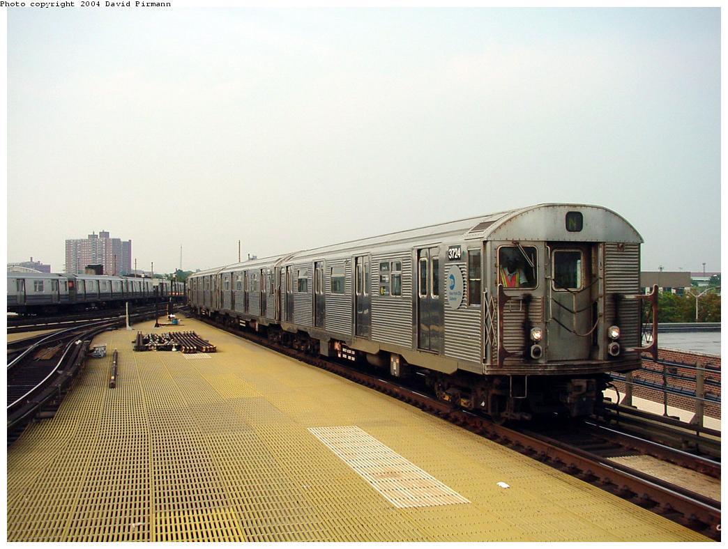 (133k, 1044x788)<br><b>Country:</b> United States<br><b>City:</b> New York<br><b>System:</b> New York City Transit<br><b>Location:</b> Coney Island/Stillwell Avenue<br><b>Route:</b> N<br><b>Car:</b> R-32 (Budd, 1964) 3724 <br><b>Photo by:</b> David Pirmann<br><b>Date:</b> 8/27/2000<br><b>Viewed (this week/total):</b> 0 / 4889