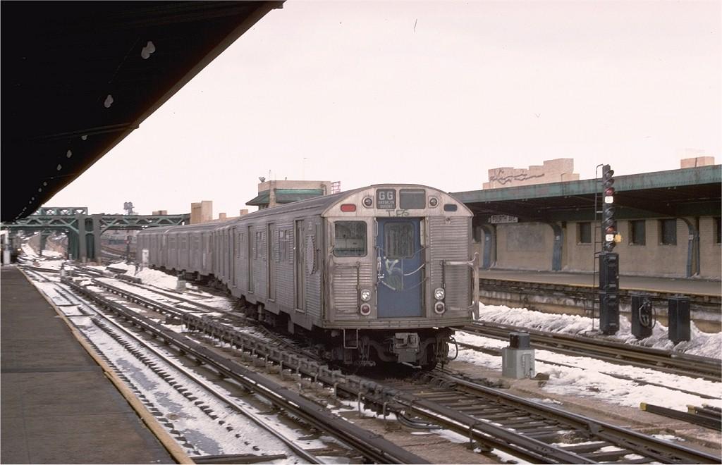 (162k, 1024x660)<br><b>Country:</b> United States<br><b>City:</b> New York<br><b>System:</b> New York City Transit<br><b>Line:</b> IND Crosstown Line<br><b>Location:</b> 4th Avenue<br><b>Route:</b> GG<br><b>Car:</b> R-32 (Budd, 1964) 3859 <br><b>Collection of:</b> Joe Testagrose<br><b>Date:</b> 2/12/1978<br><b>Viewed (this week/total):</b> 4 / 7467
