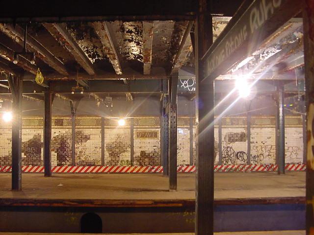 (59k, 640x480)<br><b>Country:</b> United States<br><b>City:</b> New York<br><b>System:</b> New York City Transit<br><b>Line:</b> BMT Culver Line<br><b>Location:</b> 9th Avenue (Lower Level)<br><b>Photo by:</b> Salaam Allah<br><b>Date:</b> 9/22/2002<br><b>Notes:</b> View across platforms<br><b>Viewed (this week/total):</b> 0 / 13930