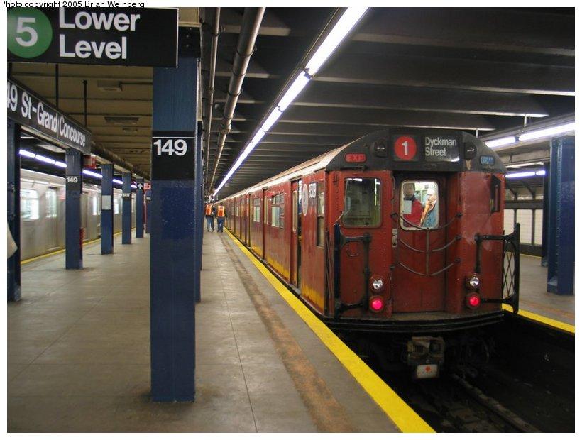 (97k, 820x620)<br><b>Country:</b> United States<br><b>City:</b> New York<br><b>System:</b> New York City Transit<br><b>Line:</b> IRT Woodlawn Line<br><b>Location:</b> 149th Street-Grand Concourse<br><b>Route:</b> Fan Trip<br><b>Car:</b> R-33 World's Fair (St. Louis, 1963-64) 9309 <br><b>Photo by:</b> Brian Weinberg<br><b>Date:</b> 12/21/2003<br><b>Viewed (this week/total):</b> 3 / 5646