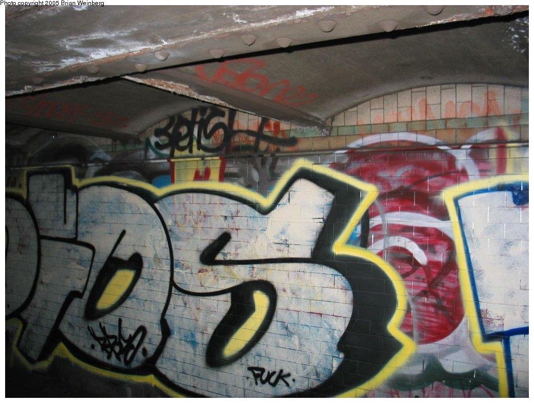 (153k, 1044x788)<br><b>Country:</b> United States<br><b>City:</b> New York<br><b>System:</b> New York City Transit<br><b>Line:</b> IRT East Side Line<br><b>Location:</b> Worth Street<br><b>Photo by:</b> Brian Weinberg<br><b>Date:</b> 6/29/2003<br><b>Notes:</b> View from passing train window.<br><b>Viewed (this week/total):</b> 1 / 11848