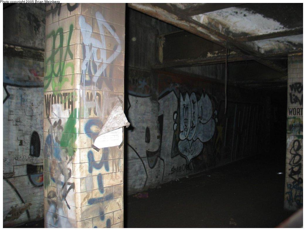 (123k, 1044x788)<br><b>Country:</b> United States<br><b>City:</b> New York<br><b>System:</b> New York City Transit<br><b>Line:</b> IRT East Side Line<br><b>Location:</b> Worth Street<br><b>Photo by:</b> Brian Weinberg<br><b>Date:</b> 6/29/2003<br><b>Notes:</b> View from passing train window.<br><b>Viewed (this week/total):</b> 1 / 19290