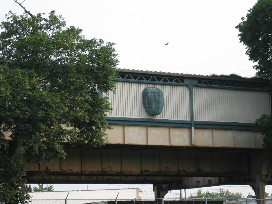 (89k, 909x682)<br><b>Country:</b> United States<br><b>City:</b> New York<br><b>System:</b> New York City Transit<br><b>Line:</b> BMT Nassau Street-Jamaica Line<br><b>Location:</b> 75th Street/Elderts Lane<br><b>Photo by:</b> Robbie Rosenfeld<br><b>Date:</b> 7/19/2005<br><b>Artwork:</b> <i>Five Points of Observation</i>, Kathleen McCarthy, 1990<br><b>Viewed (this week/total):</b> 2 / 3698