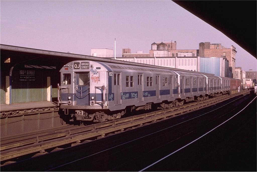 (172k, 1024x687)<br><b>Country:</b> United States<br><b>City:</b> New York<br><b>System:</b> New York City Transit<br><b>Line:</b> BMT Nassau Street-Jamaica Line<br><b>Location:</b> 160th Street (Demolished)<br><b>Route:</b> QJ<br><b>Car:</b> R-30 (St. Louis, 1961) 8522 <br><b>Photo by:</b> Joe Testagrose<br><b>Date:</b> 12/3/1972<br><b>Viewed (this week/total):</b> 4 / 5257