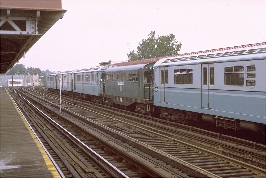 (190k, 1024x687)<br><b>Country:</b> United States<br><b>City:</b> New York<br><b>System:</b> New York City Transit<br><b>Line:</b> 3rd Avenue El<br><b>Location:</b> 210th Street<br><b>Route:</b> Fan Trip<br><b>Car:</b> Observation Car 0F116 <br><b>Photo by:</b> Joe Testagrose<br><b>Date:</b> 9/21/1971<br><b>Viewed (this week/total):</b> 0 / 4962