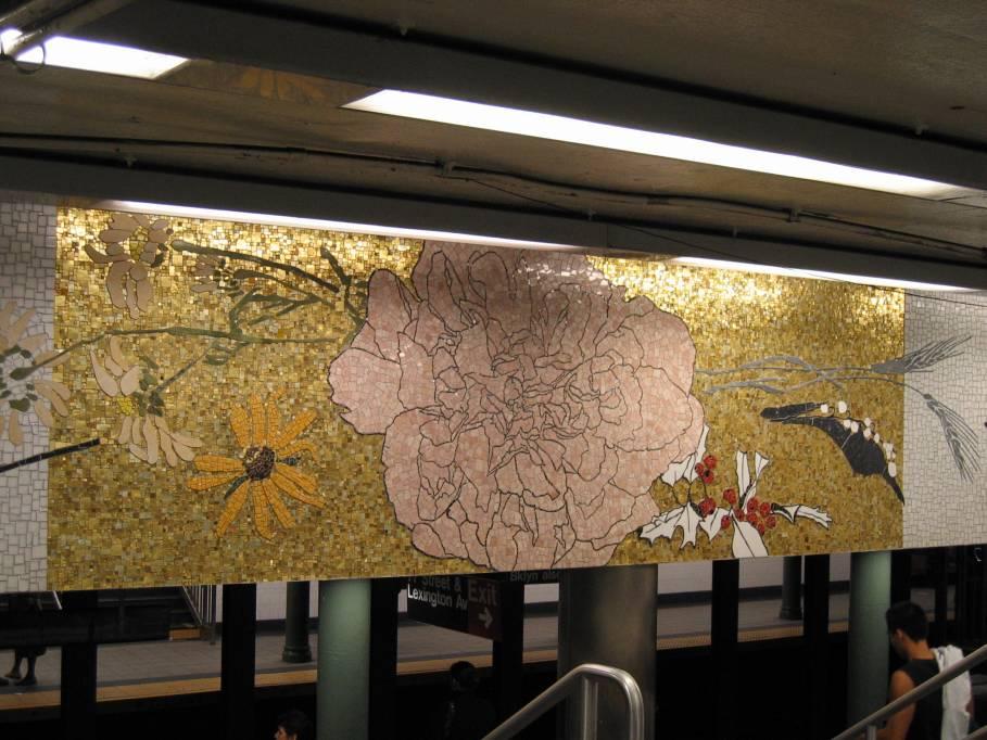 (92k, 909x682)<br><b>Country:</b> United States<br><b>City:</b> New York<br><b>System:</b> New York City Transit<br><b>Line:</b> IRT East Side Line<br><b>Location:</b> 77th Street<br><b>Photo by:</b> Robbie Rosenfeld<br><b>Date:</b> 9/2005<br><b>Artwork:</b> <i>4 Seasons Seasoned</i>, Robert Kushner, 2004<br><b>Viewed (this week/total):</b> 5 / 8032