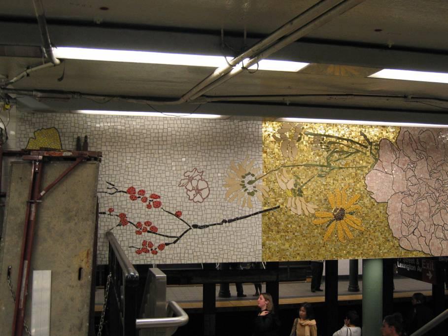 (87k, 909x682)<br><b>Country:</b> United States<br><b>City:</b> New York<br><b>System:</b> New York City Transit<br><b>Line:</b> IRT East Side Line<br><b>Location:</b> 77th Street<br><b>Photo by:</b> Robbie Rosenfeld<br><b>Date:</b> 9/2005<br><b>Artwork:</b> <i>4 Seasons Seasoned</i>, Robert Kushner, 2004<br><b>Viewed (this week/total):</b> 3 / 5535